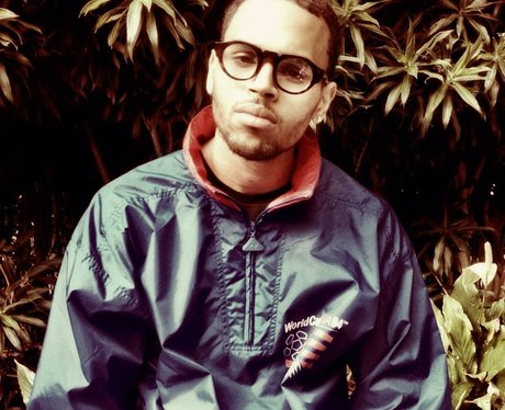 Chris Brown Dons Geek-Chic Glasses In New Picture - Twit ...