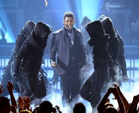 Usher live at the 2012 Billboard Music Awards