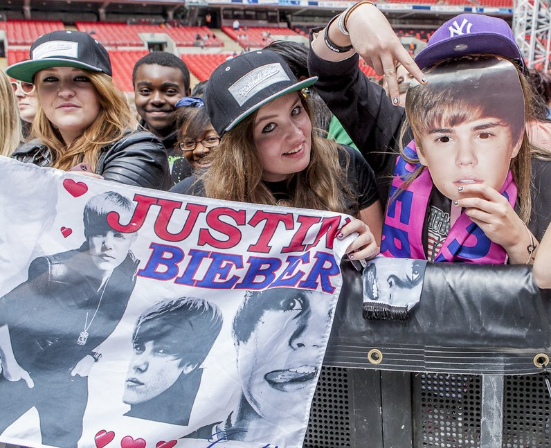 Fans at the summertime ball 2012
