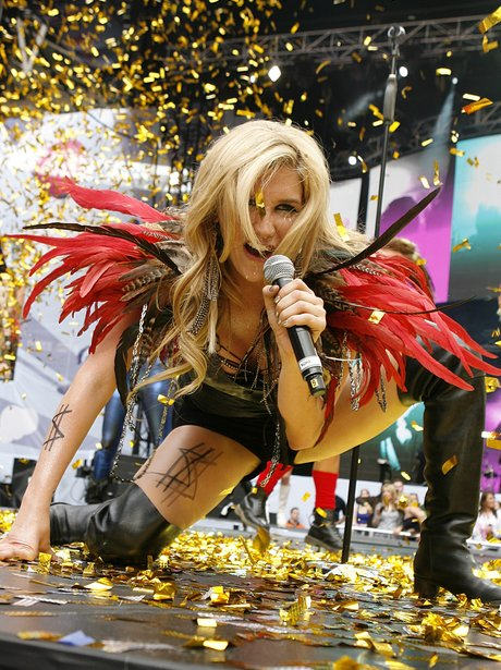 Kesha Capital FM Summertime Ball 2010