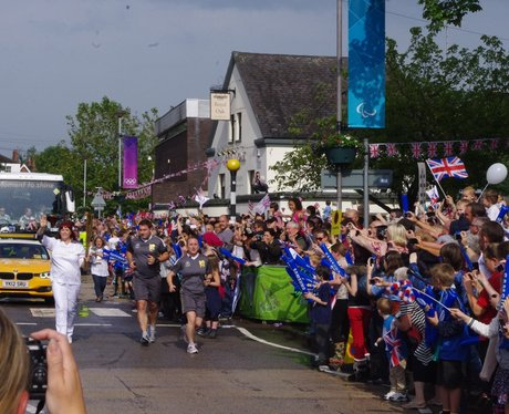 Olympic Torch - Radcliffe On Trent