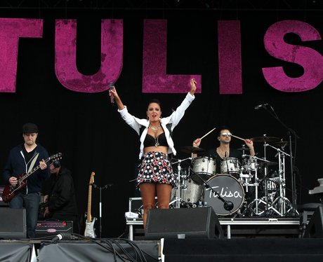 Tulisa Contostavlos Performs at Wireless Festival