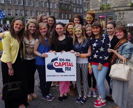 Were you pap'd at Olly Murs?