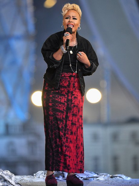 Emeli Sande performs at the Olympic Games closing ceremony.