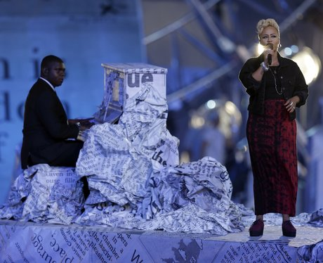 Emeli Sande performs at the Olympic Closing Ceremony .