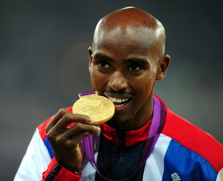 Mo Farah with his gold medal