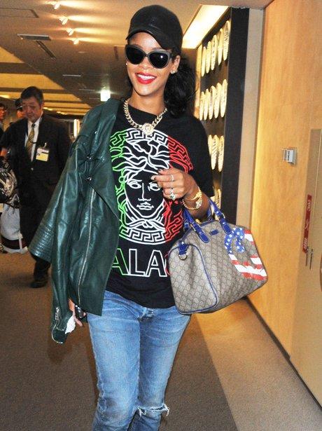 Rihanna arrives at Tokyo airport.