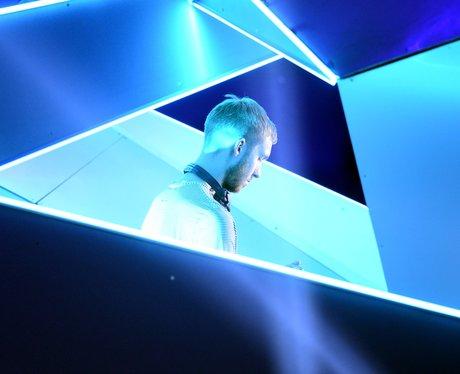 Clavin Harris performs the MTV VMA awards