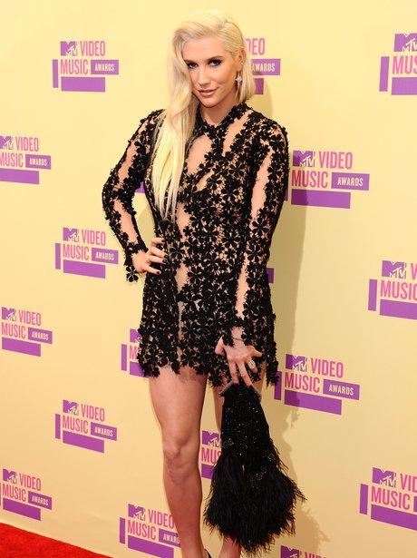 Kesha arrives at the MTV VMA 2012 awards
