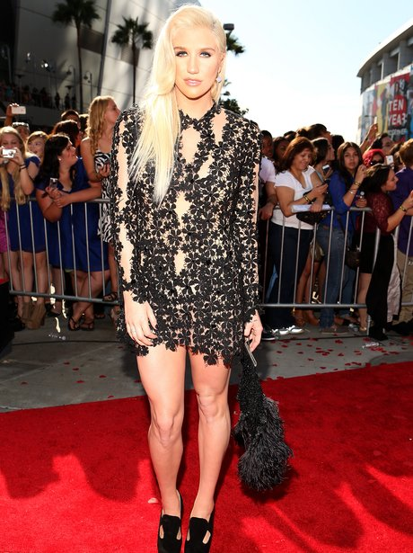 Kesha at the MTV VMA'S 2012.