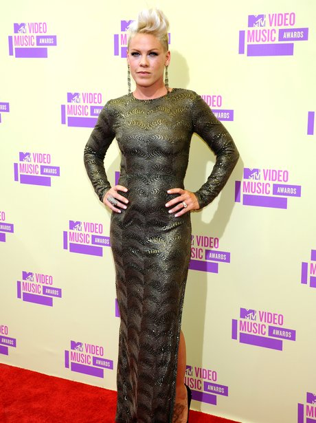 Pink arrives at the MTV VMA 2012 Awards