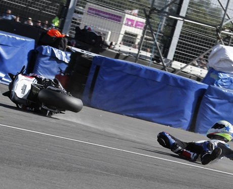 BSB - James Westmoreland crashes during qualifying