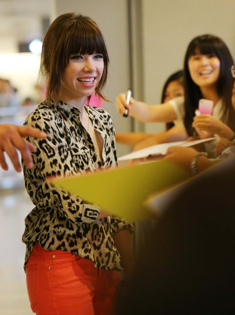 Carly Rae Jepsen arrives in Tokyo.