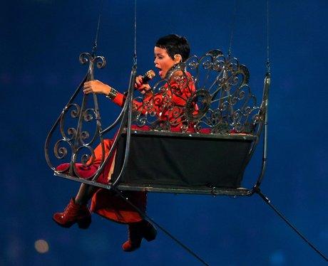 Rihanna paralympics closing ceremony