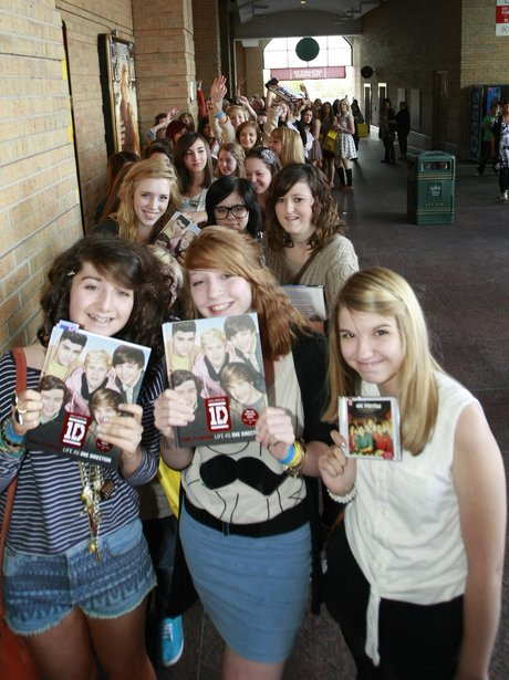 A group of One Direction fans.