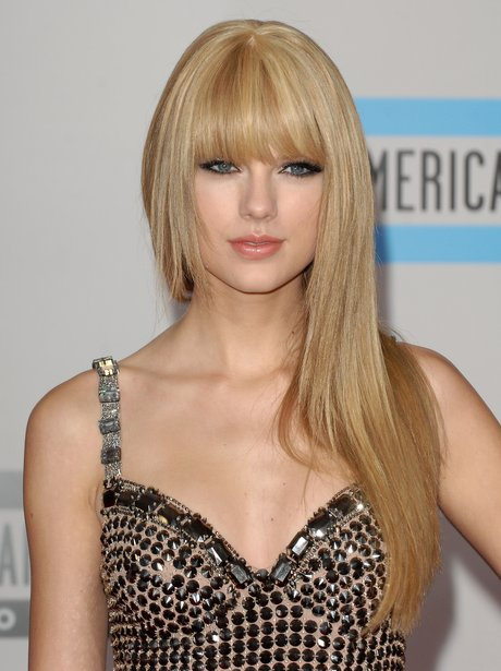 Taylor Swift at the American Music Awards 2010