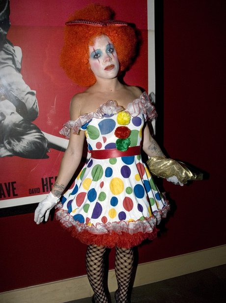 Pink Shows Off A Halloween Clown Costume  sc 1 st  Capital FM & Celebrity Halloween Costume Ideas - Capital