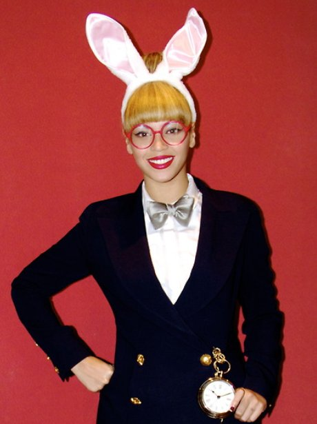 Beyonce dresses up as the White Rabbit from Alice