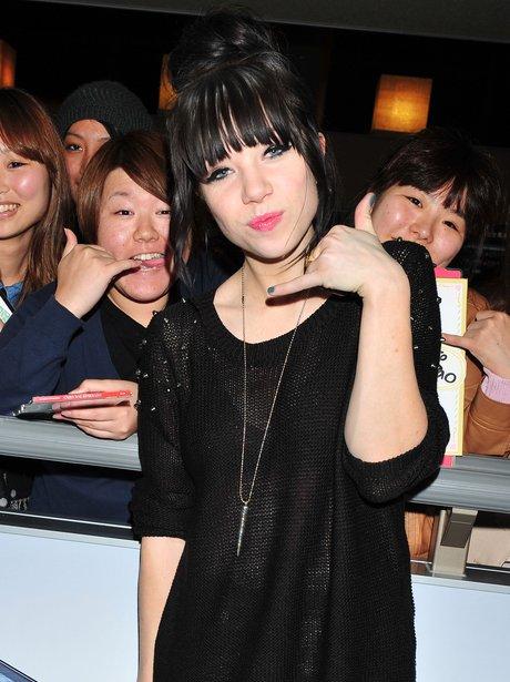 Carly Rae Jepsen arrives in Tokyo