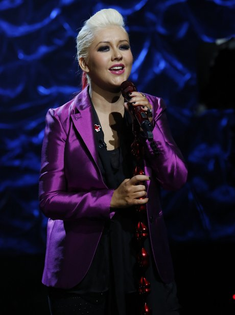 Christina Aguilera sings at Hurricane Sandy benefit