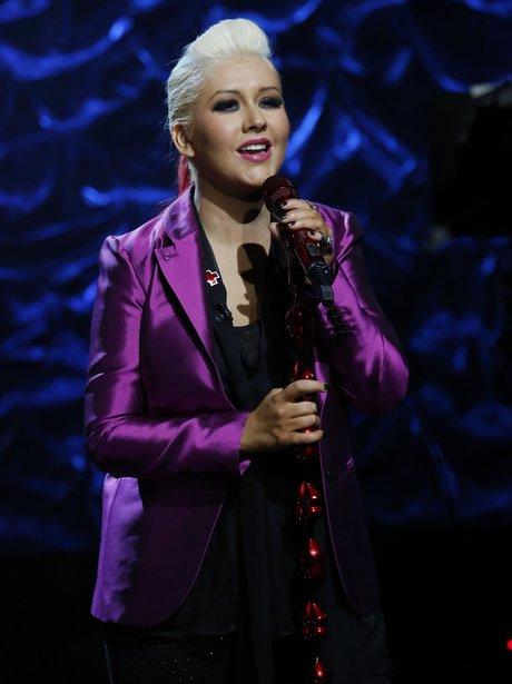 Christina Aguilera sings at Hurricane Sandy benefit