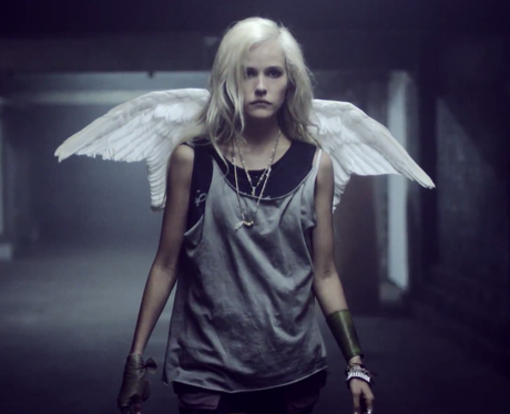 Isabel Lucas in Ed Sheeran's new music video