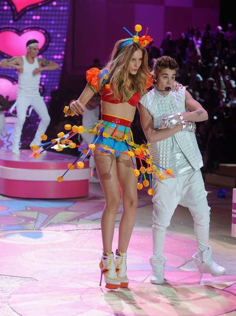 Justin Bieber 2012 Victoria's Secret Fashion Show