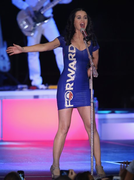 Katy Perry sings for Barack Obama