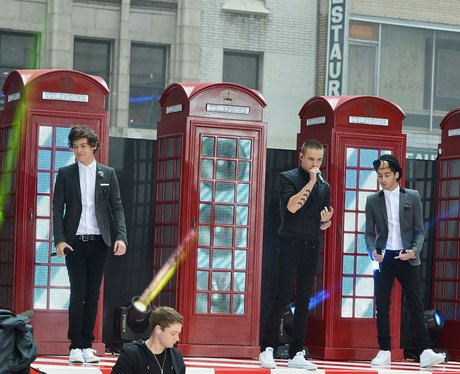 One Direction performs on NBC's 'Today' show