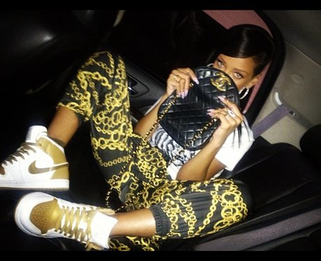 Rihanna Twitter 2012