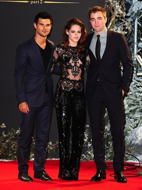 Taylor Lautner, Kristen Stewart and Robert Pattinson at the Twilight premiere