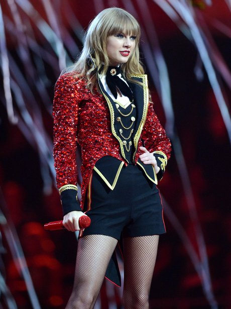 Taylor Swift dressed as circus ringmaster at the 2012 MTV Europe Music Awards