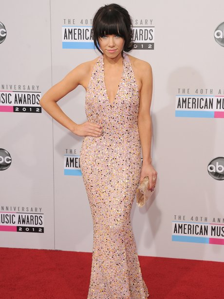 Carly Rae Jepsen arrives at the American Music Awards 2012