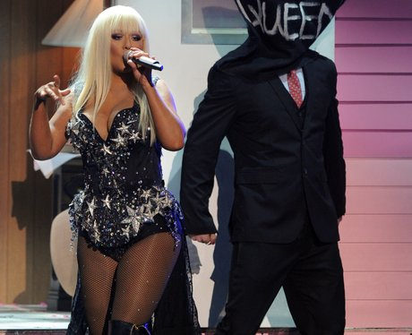 Christina Aguilera performs at the AMAs 2012