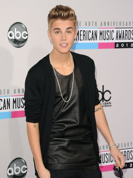 Justin Bieber arrives at the American Music Awards 2012