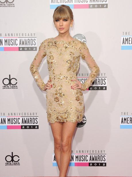 Taylor Swift arrives at the American Music Awards