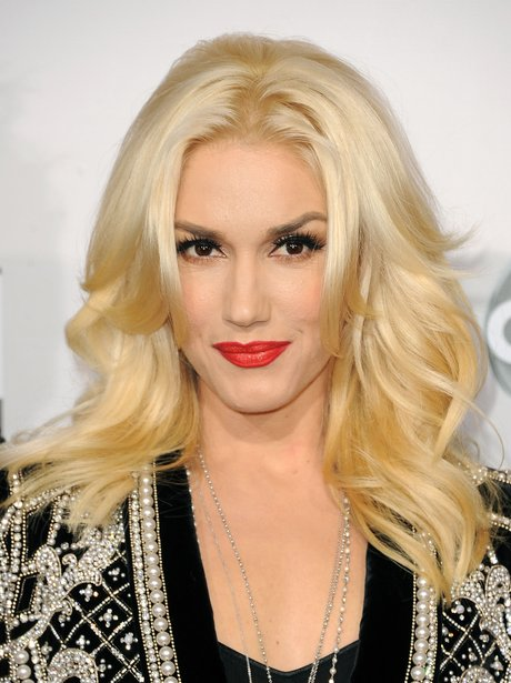 Gwen Stefani arrives at the American Music Awards 2012