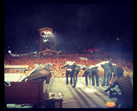 Maroon 5 on stage picture
