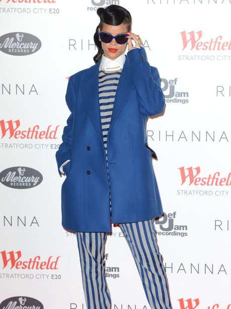 Rihanna Switches on Westfield Christmas Lights 201