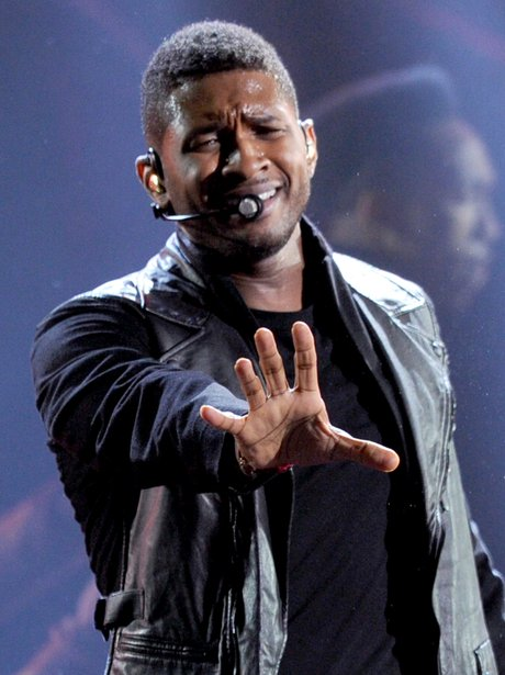 Usher performs at the AMAs 2012