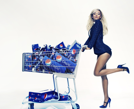 Beyonce with a trolley full of pepsi