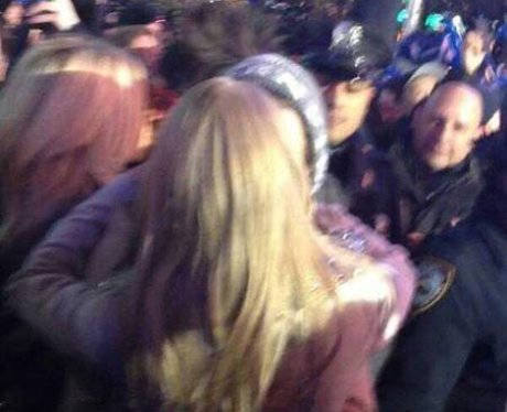 Harry Styles and Taylor Swift Kiss