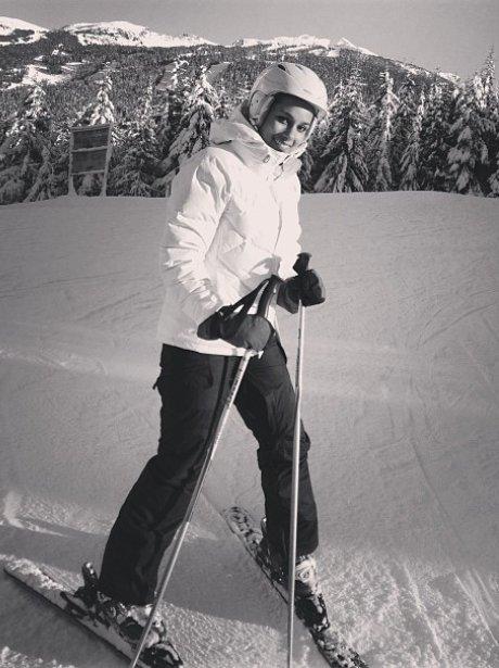Alicia Keys Skiing On Her Winter Holiday