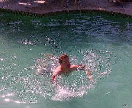 Olly Murs learns to swim