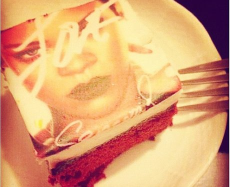 Rihanna posts picture of customised birthday cake