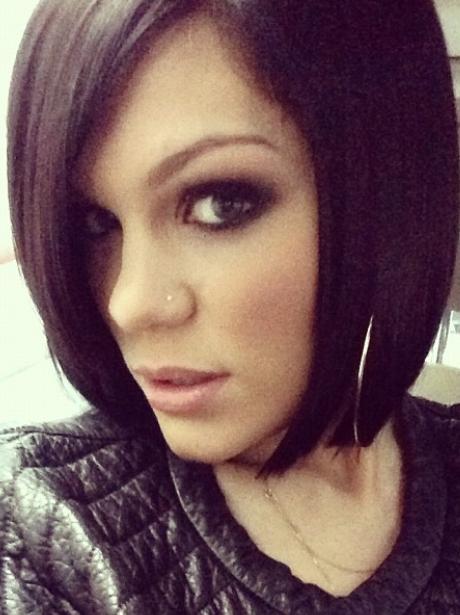 Jessie J shows off short hair