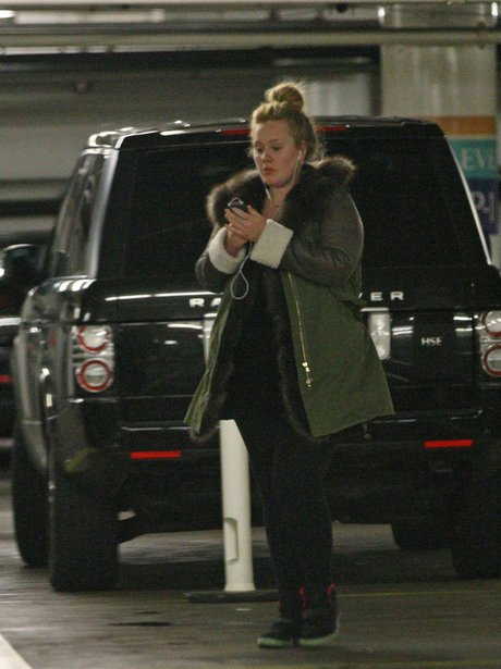 Adele heads out in Beverly Hills without her son