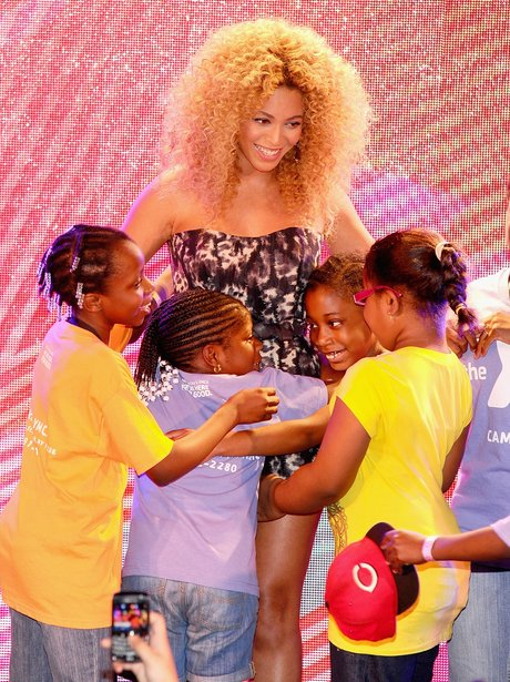 Beyonce and Fans hugging