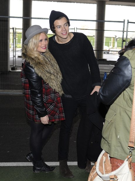 Harry Styles meets fans at Glasgow airport