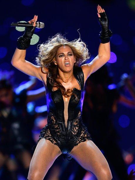 Beyonce dancing at the Super Bowl 2013